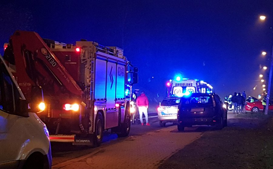 Policja wciąż szuka uczestnika śmiertelnego wypadku na krajówce