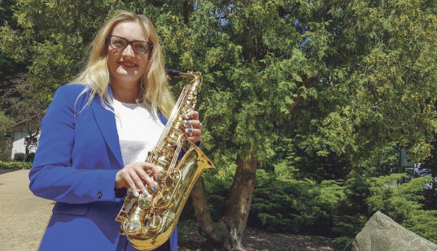 Saksofonistka z Trzebini wraca do Bahrajnu