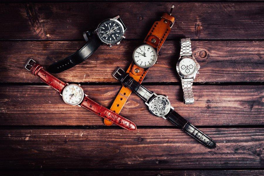 Modny zegarek damski i męski - jak wybrać idealny model?