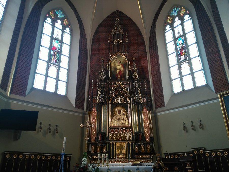 XIX wieczny ołtarz wrócił do Krystynowa. W niedzielę odpust parafialny
