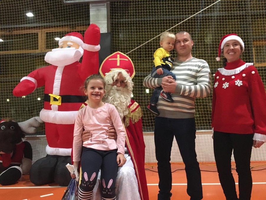 Święty Mikołaj już przyjechał na ziemię chrzanowską! Zaczął od wizyty w Trzebini (WIDEO, ZDJĘCIA)