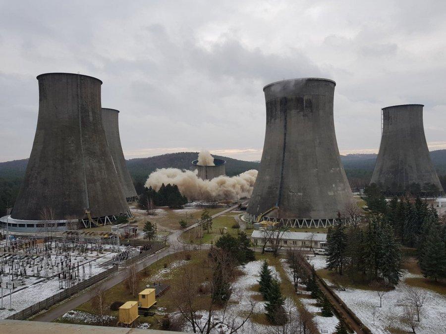 Wyburzenie chłodni kominowej w Elektrowni Siersza. Jeszcze inne ujęcie