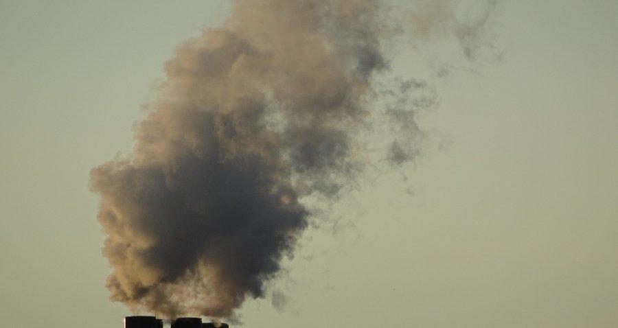 Dym z komina, skarga z Młoszowej