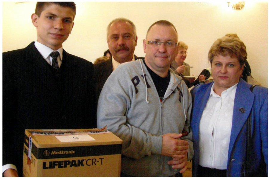 13 lat temu Jurek Owsiak przekazał Trzebini defibrylatory