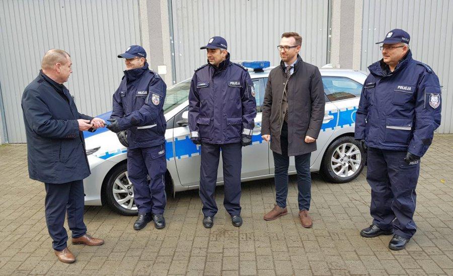 Policjanci dostali nieoznakowany samochód