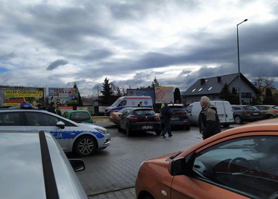 Uciekający kierowca uszkodził trzy pojazdy