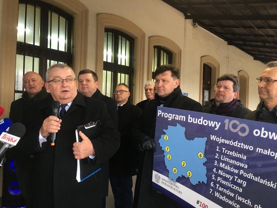 Minister Adamczyk w Trzebini: przeznaczamy 28 miliardów na 100 obwodnic (WIDEO)