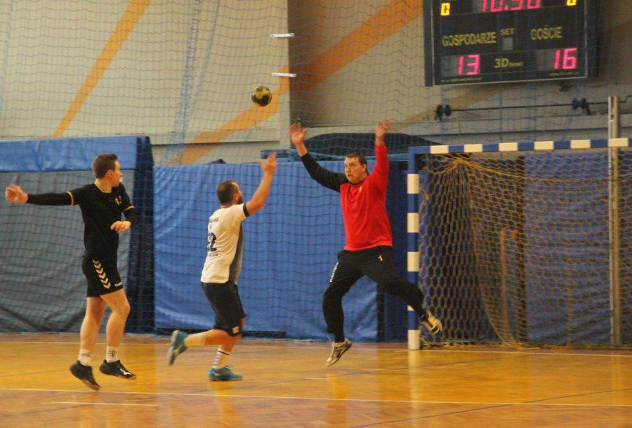 Piłkarze ręczni z Libiąża skuteczni po przerwie (WIDEO)