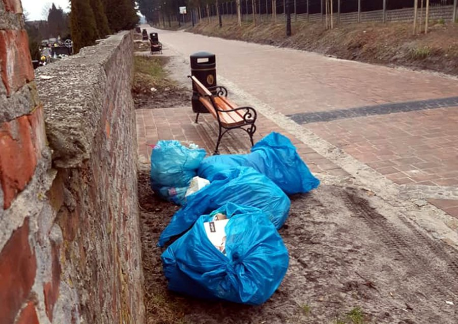 Mieszkaniec Babic wyrzucił śmieci w miejscu publicznym, teraz trafi do sądu
