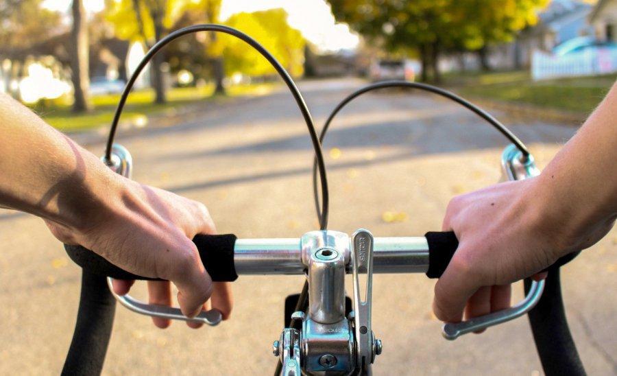 Pijany rowerzysta narobił sobie problemów
