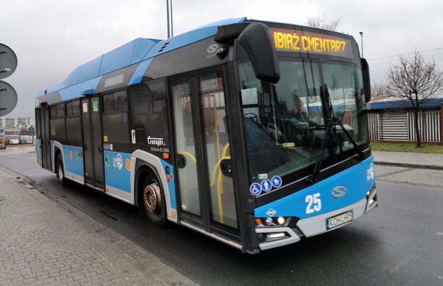 Uwaga pasażerowie! Będzie mniej kursów autobusów miejskich