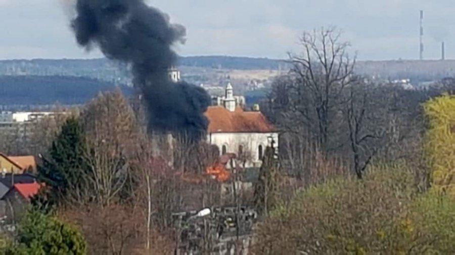 Zapalił się dom w chrzanowskim Kościelcu (WIDEO)