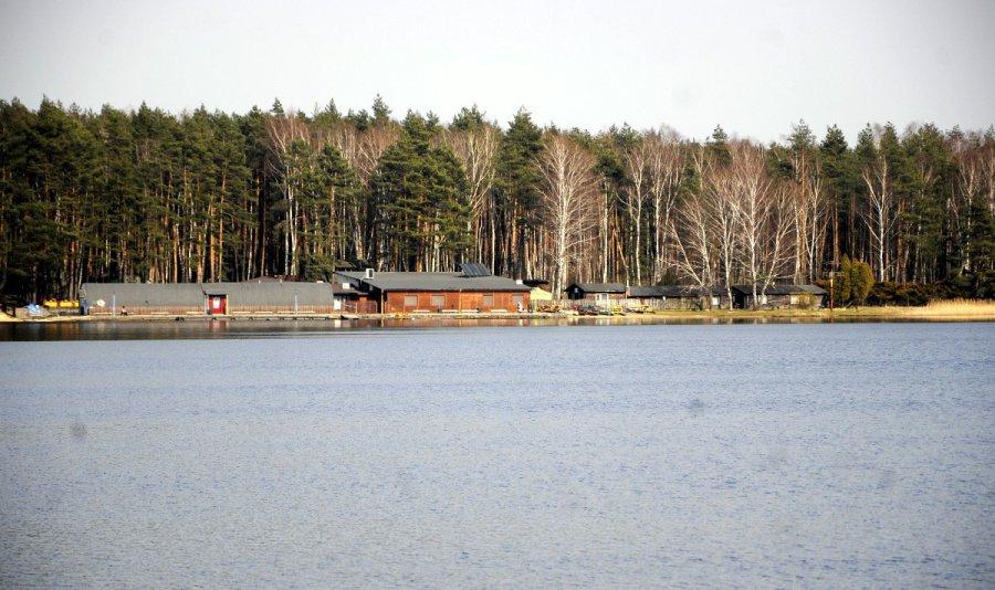 Koronawirus. Co ze spacerami nad zalewem Chechło w Trzebini? (WIDEO)