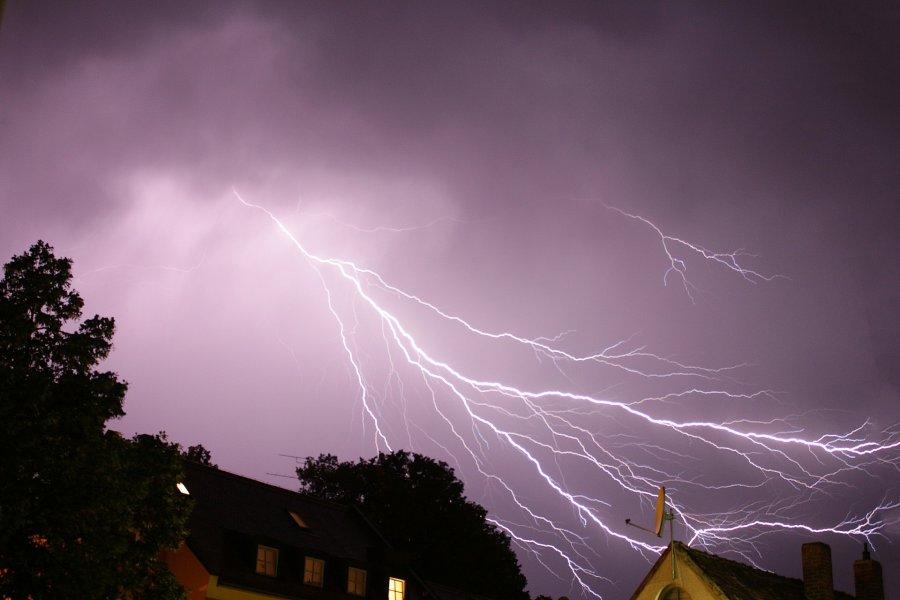 Uwaga! Mogą wystąpić burze z gradem - ostrzegają meteorolodzy