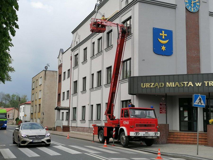 Strażacy zamontowali pierwsze budki dla jerzyków. Będzie ich więcej