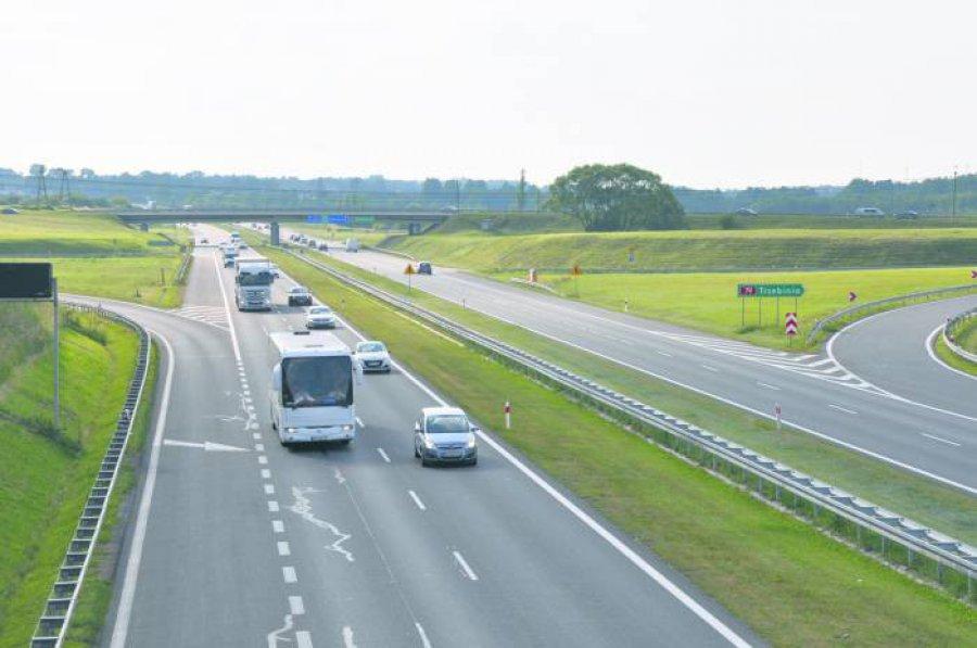 80-latek jechał autostradą A4 pod prąd