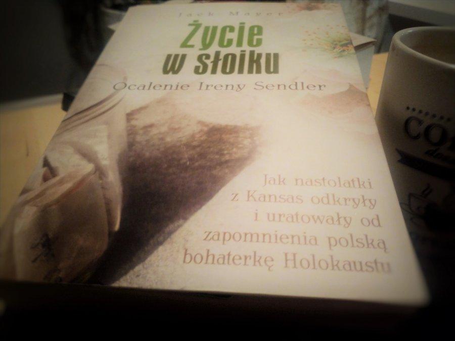 Życie w słoiku - lektura na weekend