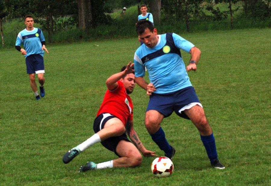 Piłkarze Luszowic musieli uznać wyższość Byczyny (ZDJĘCIA)