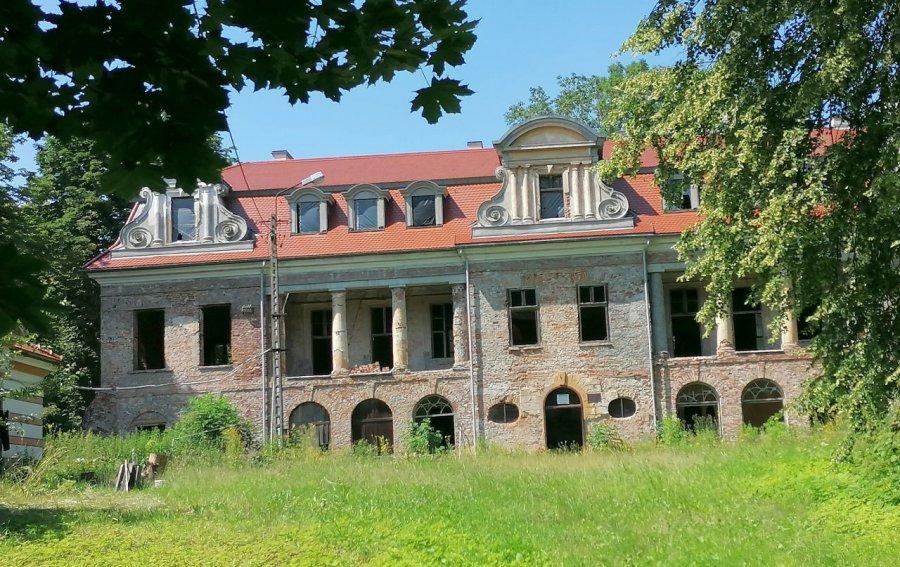 Pałac Sapiehów w Bobrku – w tym miejscu czuć historię (ZDJĘCIA)