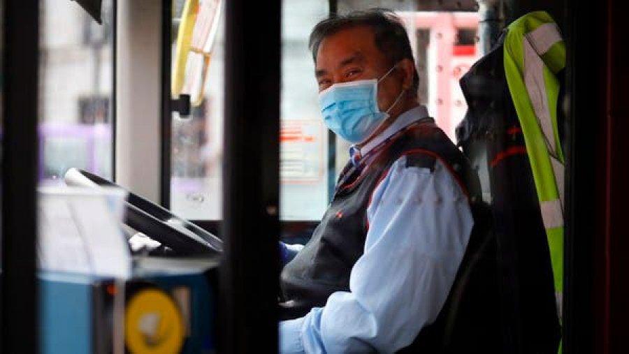 Czy podróżowanie w czasie pandemii COVID-19 jest bezpieczne? Jak przygotować się na podróż autobusem?