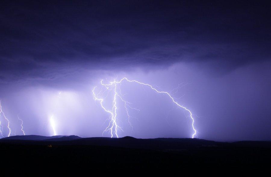 Alert pogodowy. Uwaga na burze z gradem i silny wiatr
