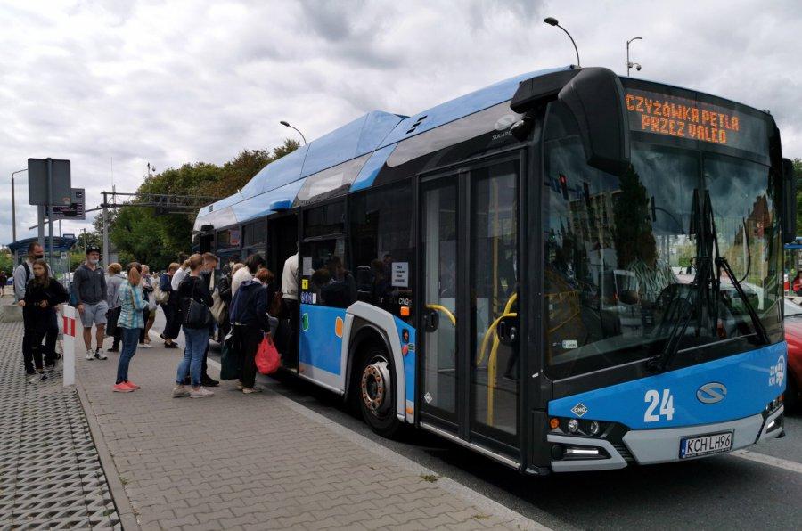 Nowy rok szkolny. Czy będzie więcej autobusów?