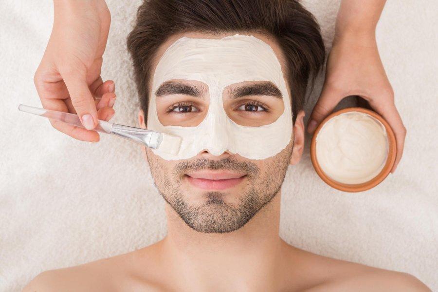 Jakiej pielęgnacji potrzebują faceci? 5 produktów, które powinien regularnie używać każdy mężczyzna