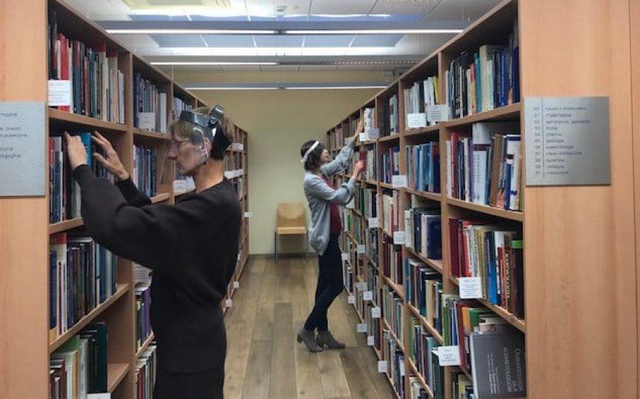 Od 1 października znów można buszować po bibliotecznych zbiorach