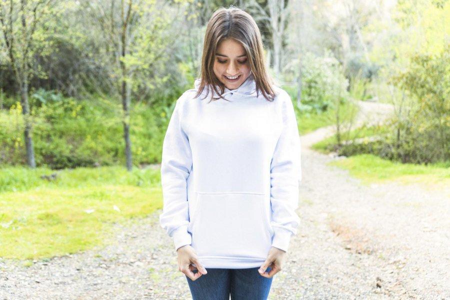 Najlepsze bluzy damskie na jesień - zobacz nasze propozycje