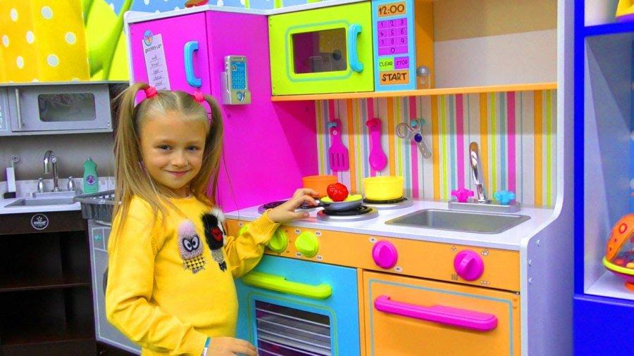 7 powodów aby kupić dziecku na prezent kuchnię do zabawy