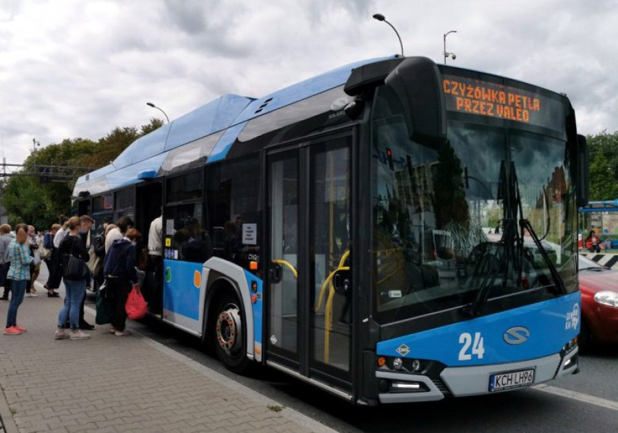 Na linii 9 pojedzie dodatkowy autobus