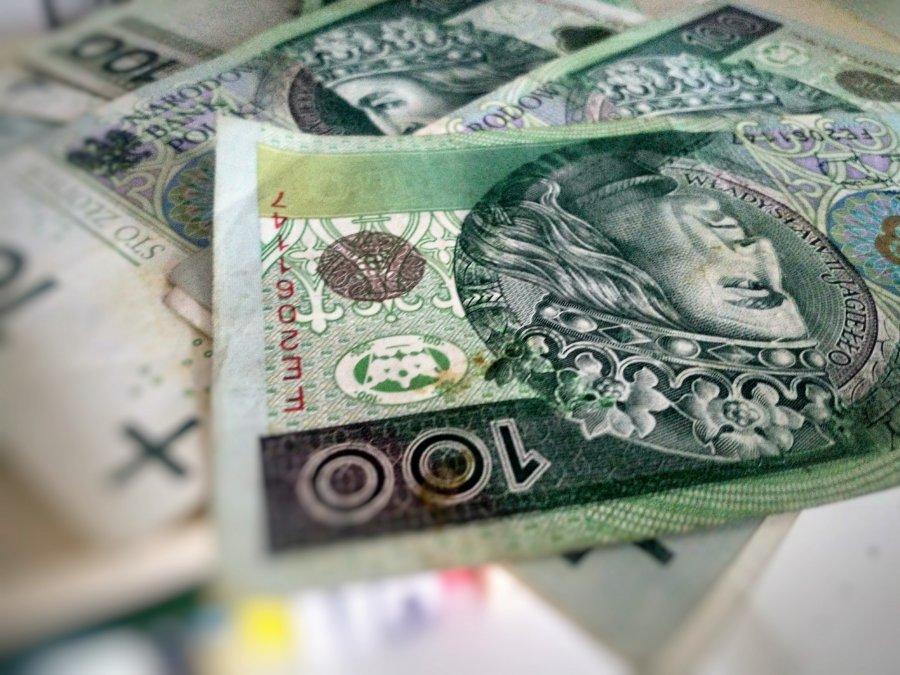 Prawie 60 tysięcy trafi do powiatu chrzanowskiego na premie, nagrody...