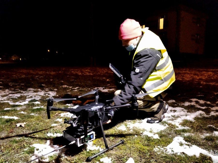 Specjalistyczny dron sprawdza, czym palą mieszkańcy gminy Chrzanów (WIDEO)