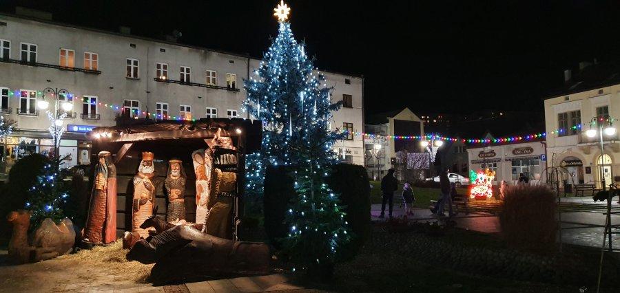 Trzebinia odpaliła już świąteczną iluminację. Można podziwiać i fotografować (ZDJĘCIA)