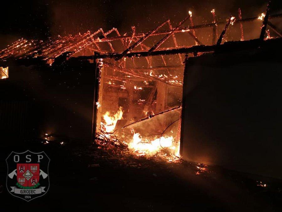 Spłonęła stodoła w Kwaczale. Zwierzęta ocalały
