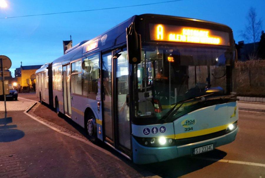 Jak w sylwestra i Nowy Rok kursują autobusy, minibusy i pociągi