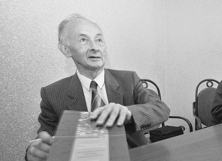Zmarł były nauczyciel Zenon Kędziora z Babic