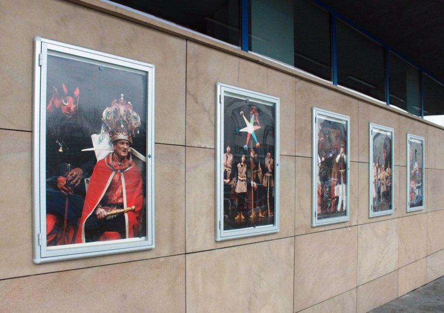 Obejrzyjcie wystawę zdjęć Herodów przed domem kultury