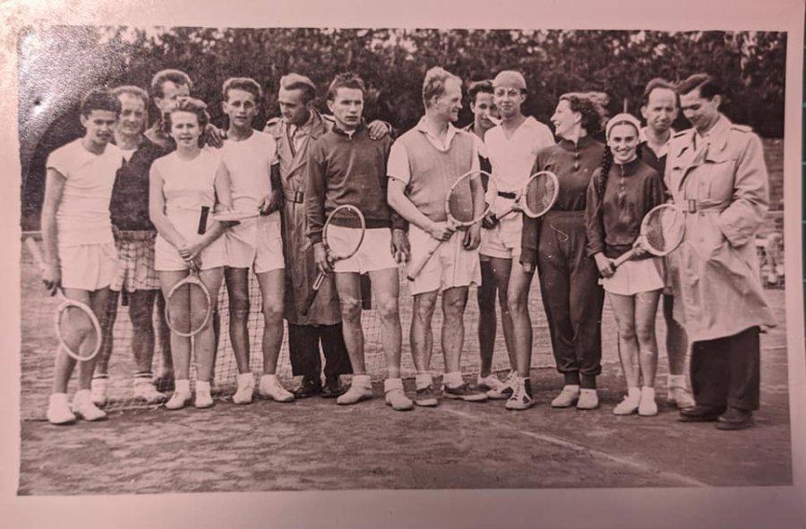 Czy ktoś się rozpoznaje na tych archiwalnych zdjęciach z Klubu Sportowego Fablok?