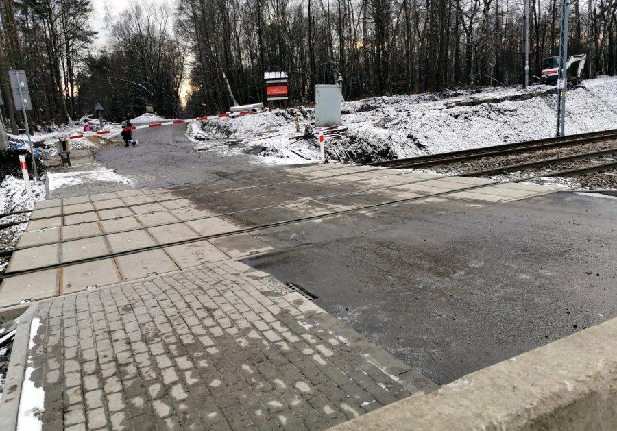 Zobacz wyremontowany przejazd kolejowy do Puszczy Dulowskiej (WIDEO)