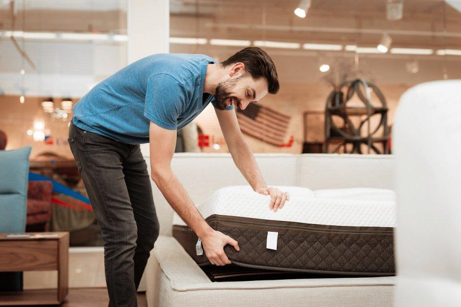 Materace rehabilitacyjne - kto powinien zdecydować się na spanie na nich?