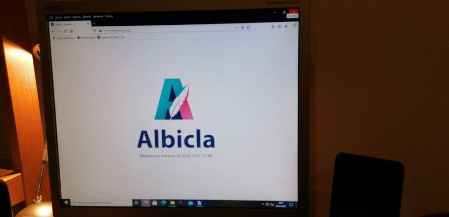 """Powstaje polska alternatywa dla Facebooka. Albicla to odpowiedź na """"cenzurę w sieci"""""""