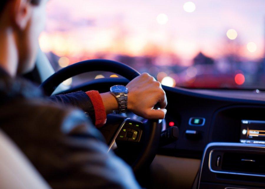 Młodzi, czyli niebezpieczni na drodze? Tego zdania jest spory odsetek Polaków