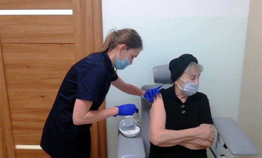 KORONAWIRUS. Przychodnia Rodzinna Południe w Chrzanowie może szczepić nawet 180 pacjentów tygodniowo, jeśli... (WIDEO)
