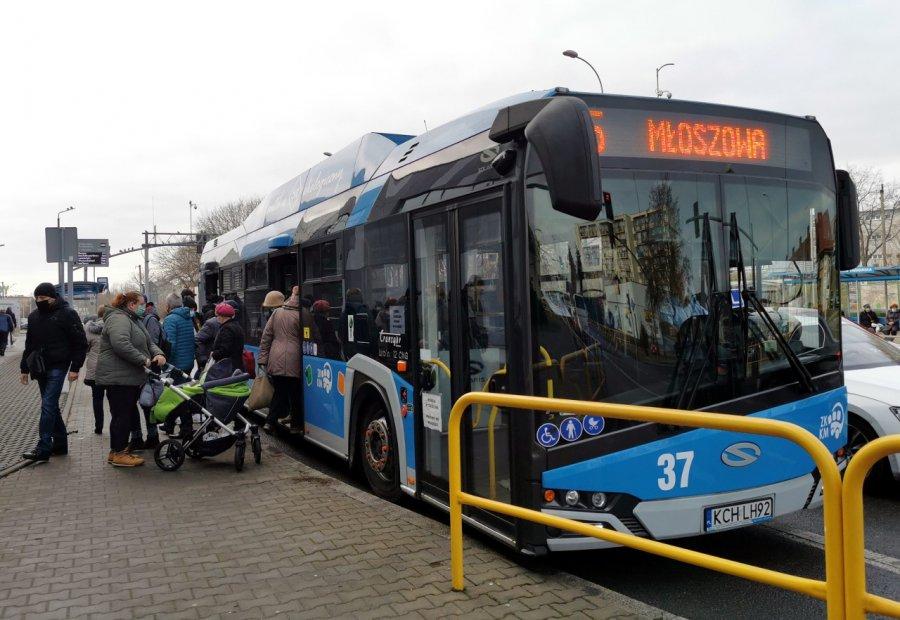Uwaga pasażerowie. Zmiany w rozkładach jazdy autobusów linii 9, 15 i 30