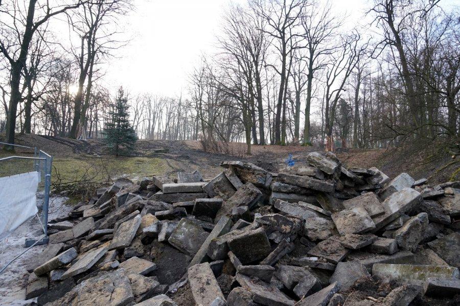 Trwa rewitalizacja parku w Kościelcu. Jak idą prace i jaki ma być efekt? (ZDJĘCIA)