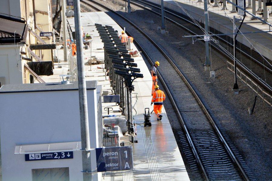 Zobaczcie, jak teraz wygląda przebudowywana stacja PKP (WIDEO, ZDJĘCIA)