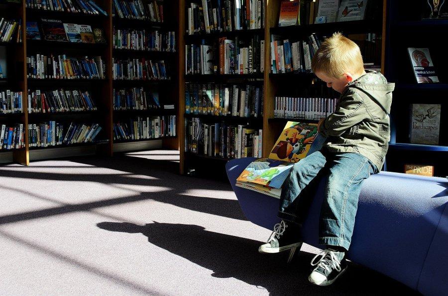 Opieka i nauka dla niektórych uczniów pomimo lockdownu