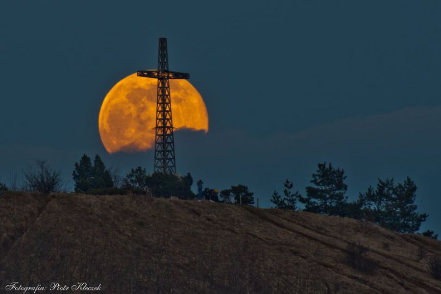 Wczoraj była pełnia Robaczego Księżyca i takie widoki na Bożniowej