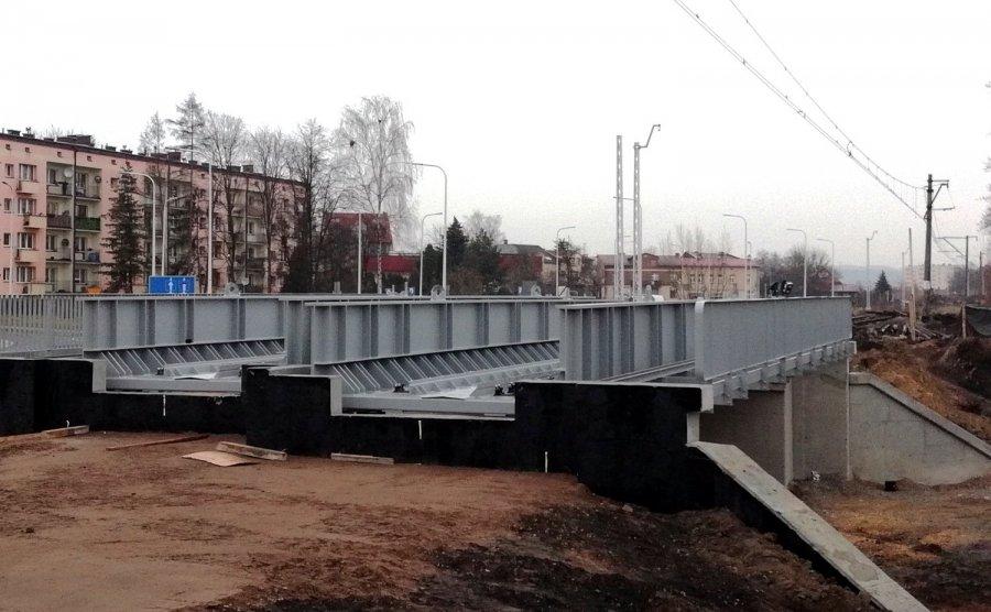 Jeden z nowych wiaduktów kolejowych w Chrzanowie jest już prawie gotowy